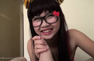 Japanese damsel gives a oral job in..