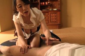 Mature Chinese dame demonstrates off..